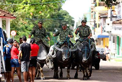 Marajo Polizei auf Bueffel_Sidney Oliveira Agencia Para