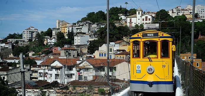 A Secretaria estadual de Transportes, inicia os testes operacionais com os novos bondes que começarão a circular ainda este mês, da estação Carioca à rua Joaquim Murtinho no centro do Rio (Tânia Rêgo/Agência Brasil)