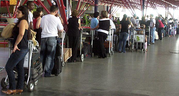 Flughafen Check-In Brasilia - Foto: Agencia Brasil